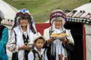Кыргызстан: история, общество, экономика и политика